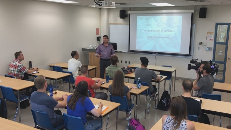Professor Bill MacDonald addresses students in Niagara College's commercial cannabis program. (James Dunne/CBC)