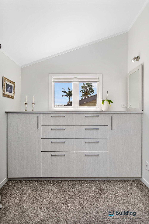 Ellerslie bathroom renovator Auckland. Joinery storage units . Ensuite by E J Building Bathroom renovators In Auckland.