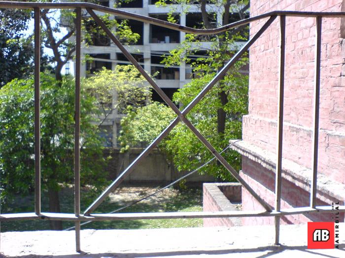 2006-04-11-13-04-25_SE_W800i_SQSP.jpg