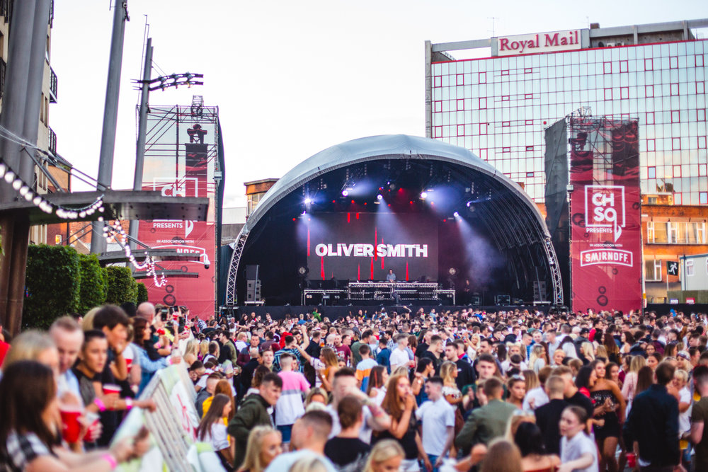 DJ Oliver Smith opening Custom House Square for Above & Beyond on Day 1