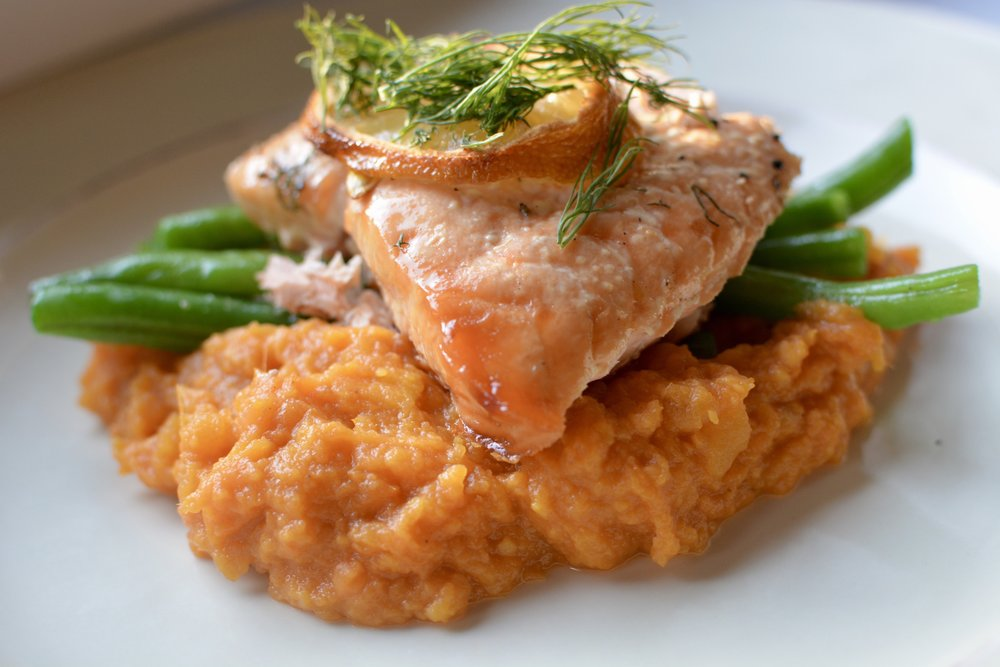 grilled salmon, sweet potato puree and green beans