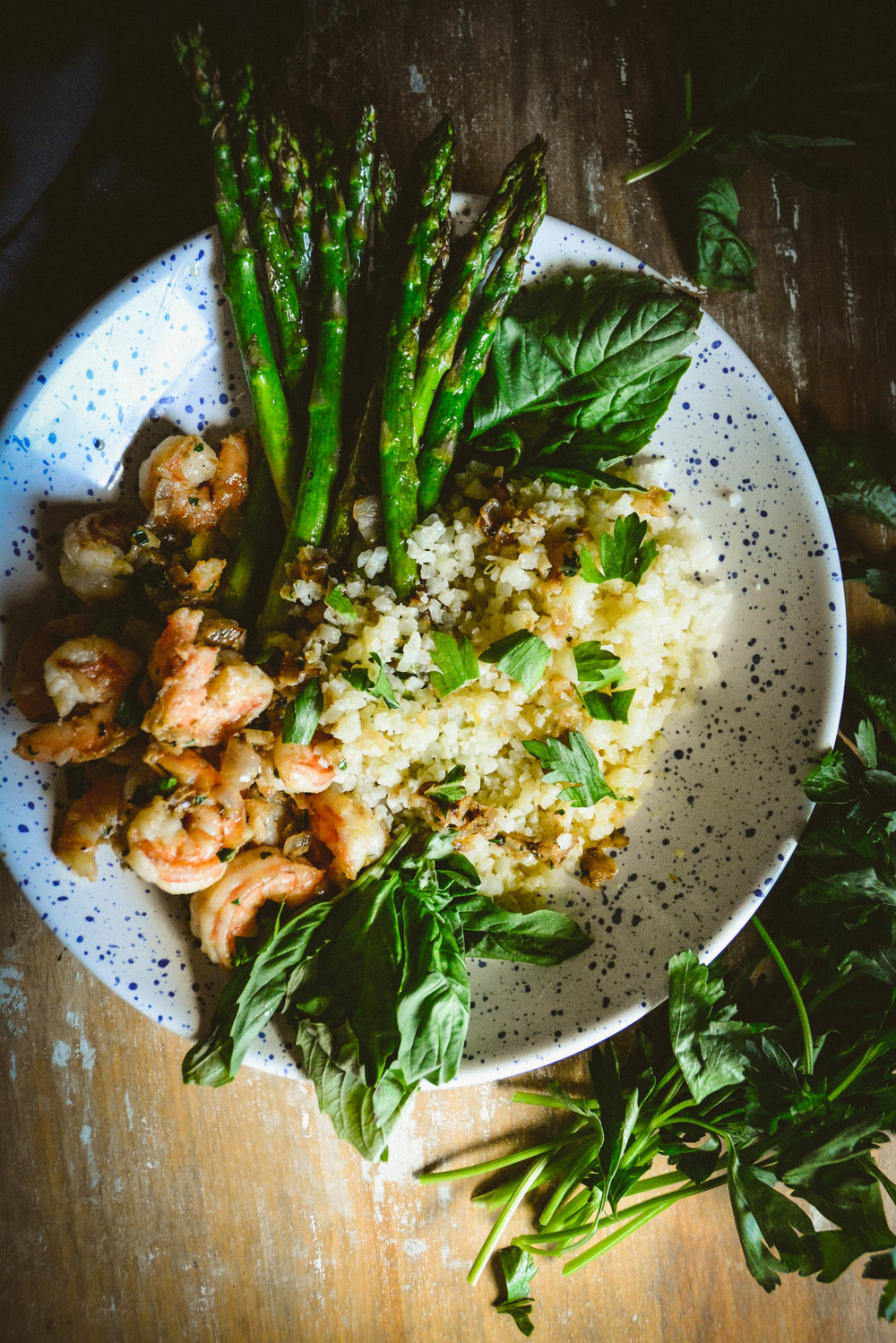 shrimp, cauliflower and asparagus in lemon oil