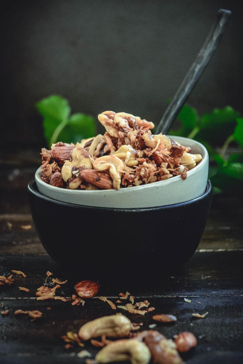 walnuts, pecans, almonds, coconut flakes, cashews, pumpkin seeds