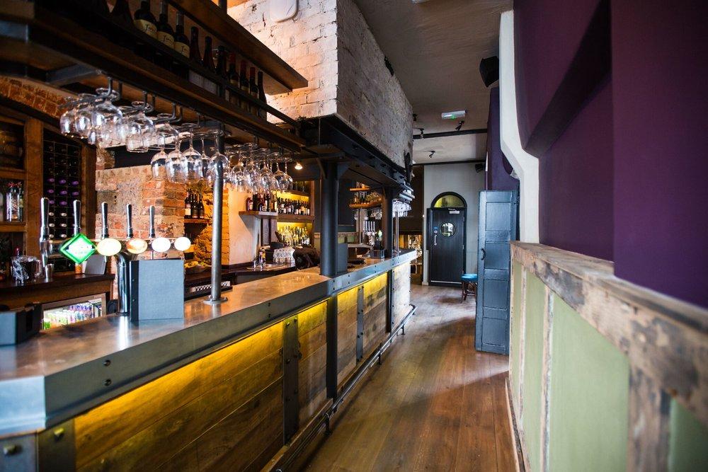 The Kings Head Bar 1.jpg