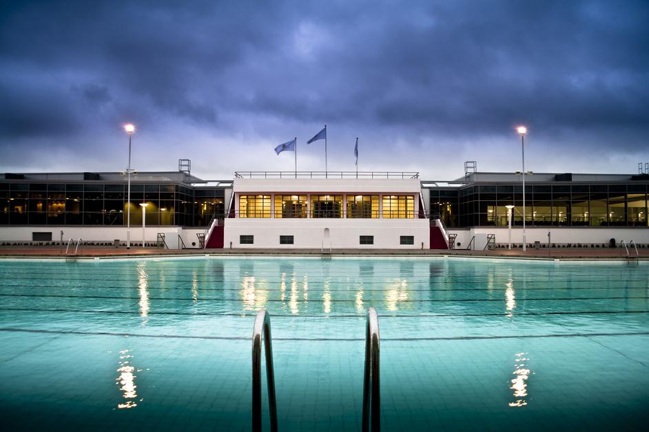 Hillington-pool-hottug.jpg