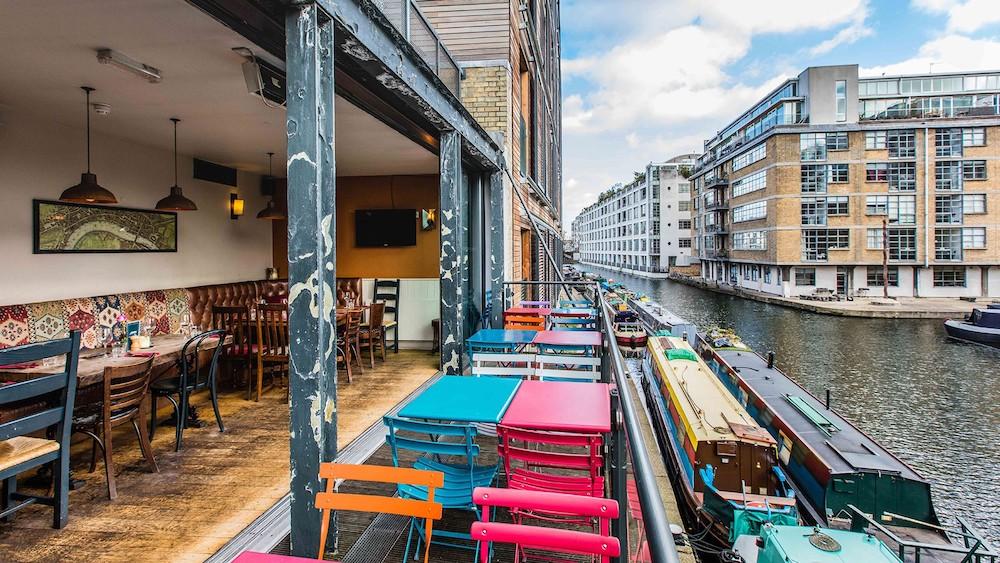 narrowboat-pub-angel.jpeg