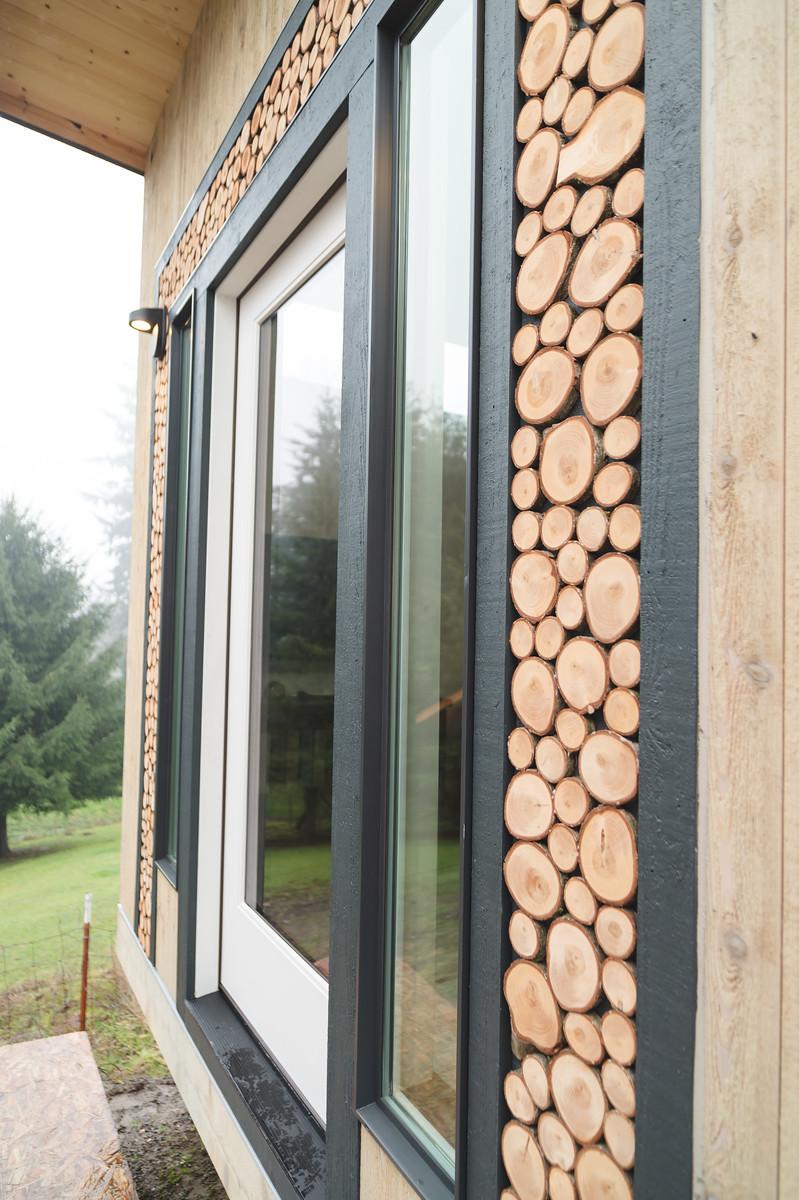North West Inspired Craftsman Details