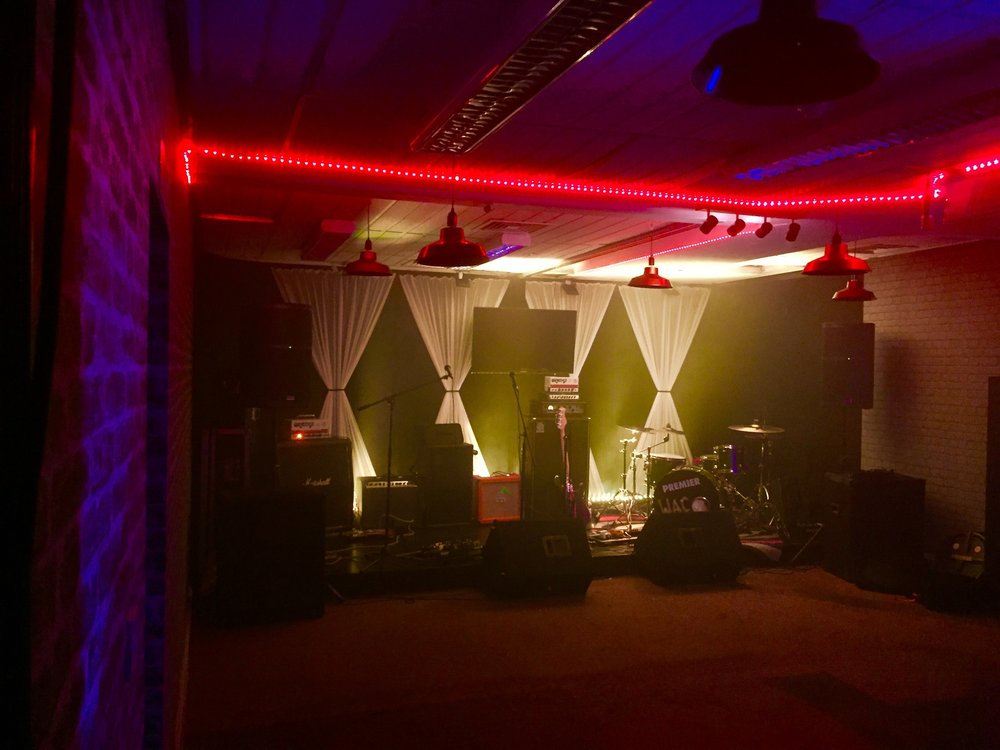 Live Lounge 3.jpg