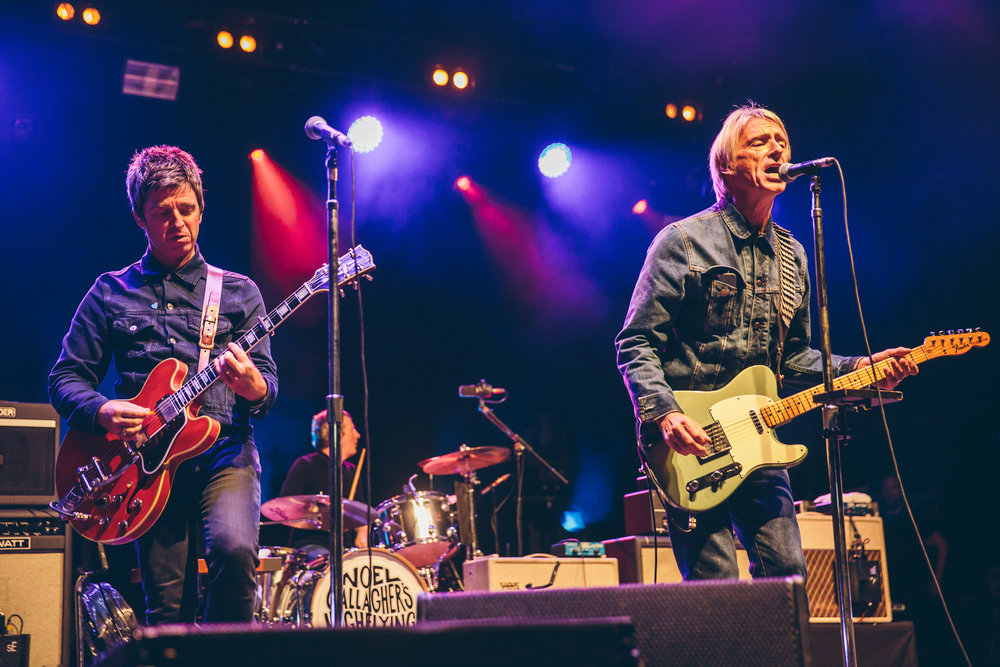 fn6-paul-weller-joings-noel-gallagher-2.jpg