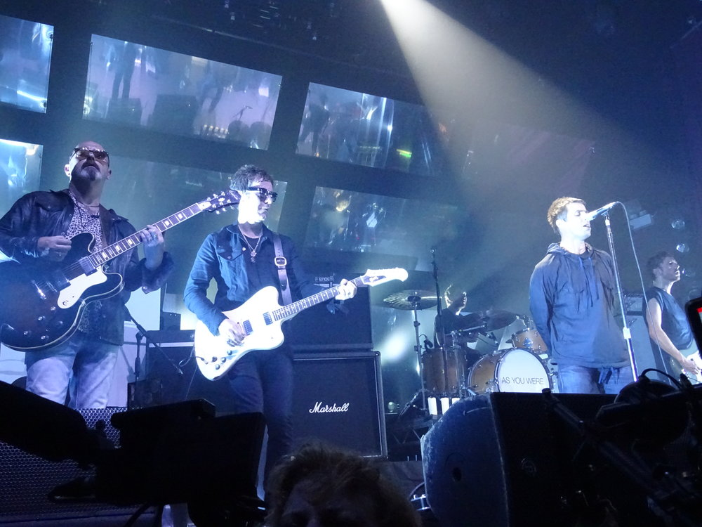 Bonehead (far left) joins Liam for 'Be Here Now' (c) Philip Giouras @ The Perfect Tempo