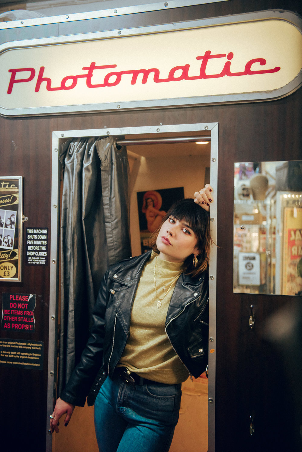 In Conversation With:Lily Moore - Our breakout star of the year has to be Lily Moore. She's headlined Omeara, supported George Ezra at Brixton and released two stunning EPs. Philip Giouras caught up with the soulful singer to talk all things music, eggs and what surprises she has in store for an exciting 2019…