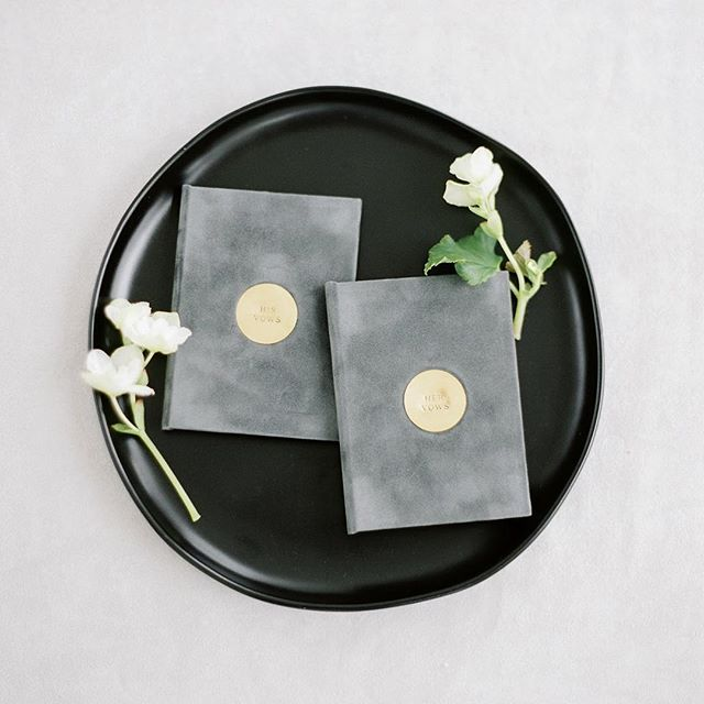 New year = new things. I've been working on a small batch of hand stamped suede vow books that will be available soon in my shop 💕 Captured effortlessly by @taralynnlawtonphoto • Planning + Design @roxannebellamy • Florals @simpleflorals #vowbooks #weddingkeepsake #weddinginspiration #madedivine #weddingvows