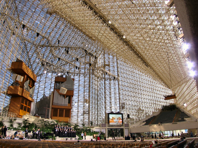 The Crystal Cathedral: God's blessing or the world's dainty? The answer is obvious.