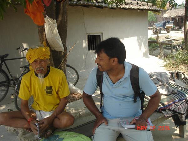 A Hindu sadhu hears the Gospel.