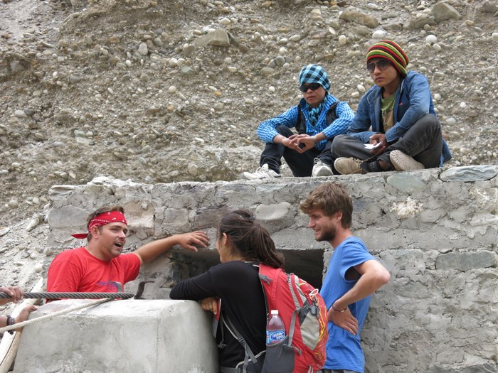 Ricky Springer shares about Messiah to two Israelis on the trail while two Nepali migrant eavesdrop (2015). Pray for more encounters like this.