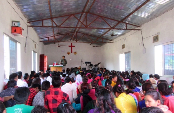 Bishnu trains Christian youth in evangelism in Dhanghadi.