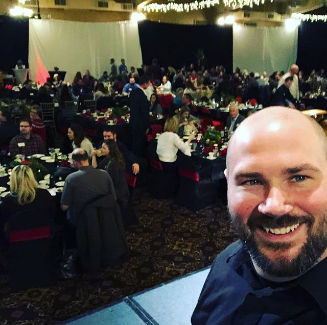 Almost showtime! I'm performing my comedy hypnosis show for a corporate holiday party. It's going to be a fun evening 😎 #hypnotistzstonish #hypnotist #hypnosis #corporateevents #liveevents #corporateentertainer #comedy #laughoutloud #funny #hypnotized