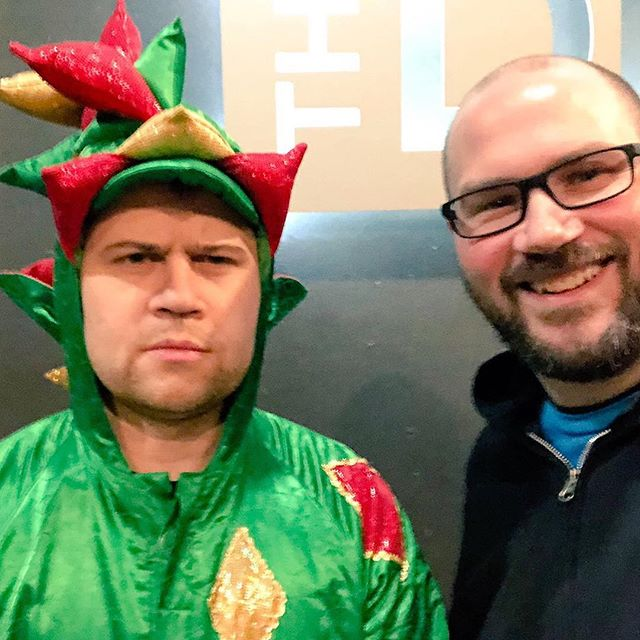 Tonight I met a real live magic dragon! @piffthemagicdragon had an awesome show in #SiouxFalls at @thedistrictsf #mrpiffles #magicdragon #mindblown #comedy