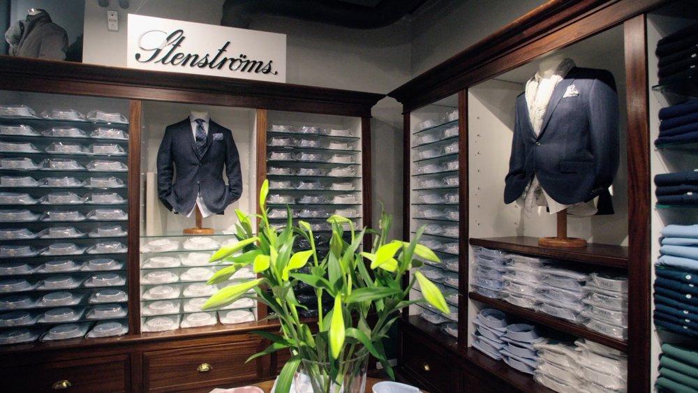 Stenstöms - Ett bredt utvalg av skjorter fra Stenstöms i både fitted body og slimline. Pique, gensere, skjerf og flere andre varegrupper fra Stenströms er nå i butikk.
