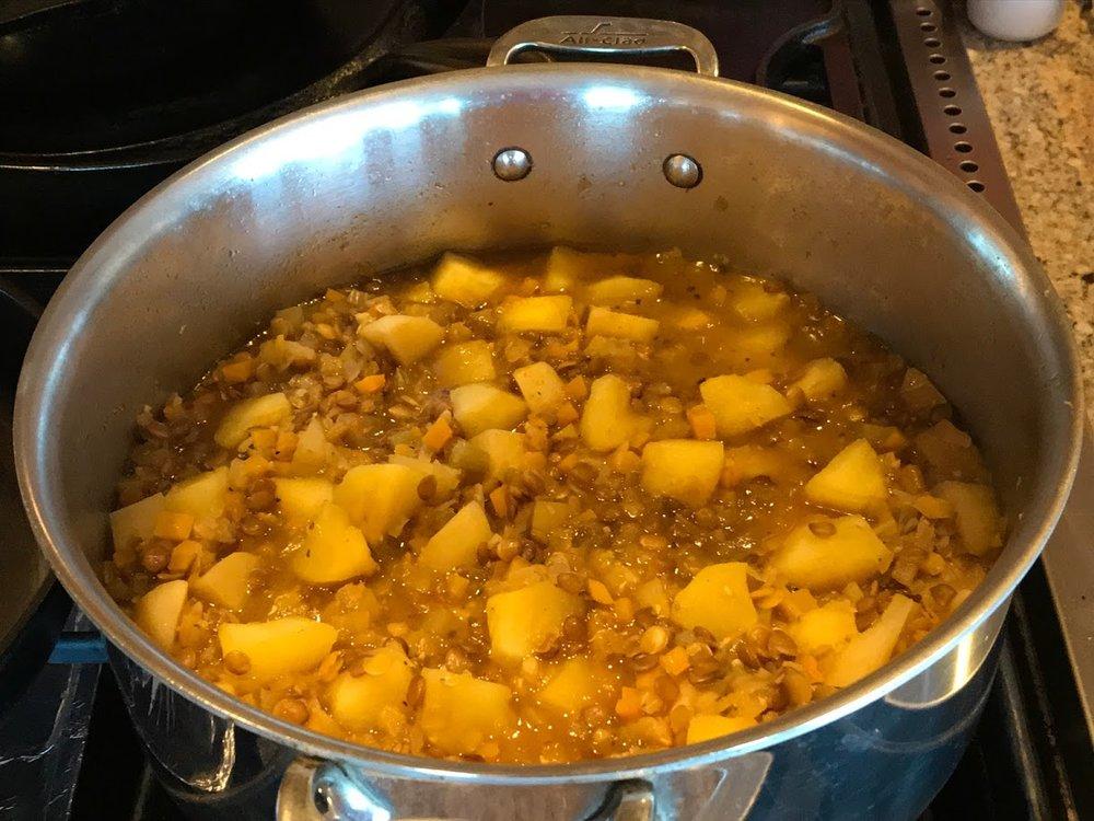 Mulligatawny soup pot.JPG