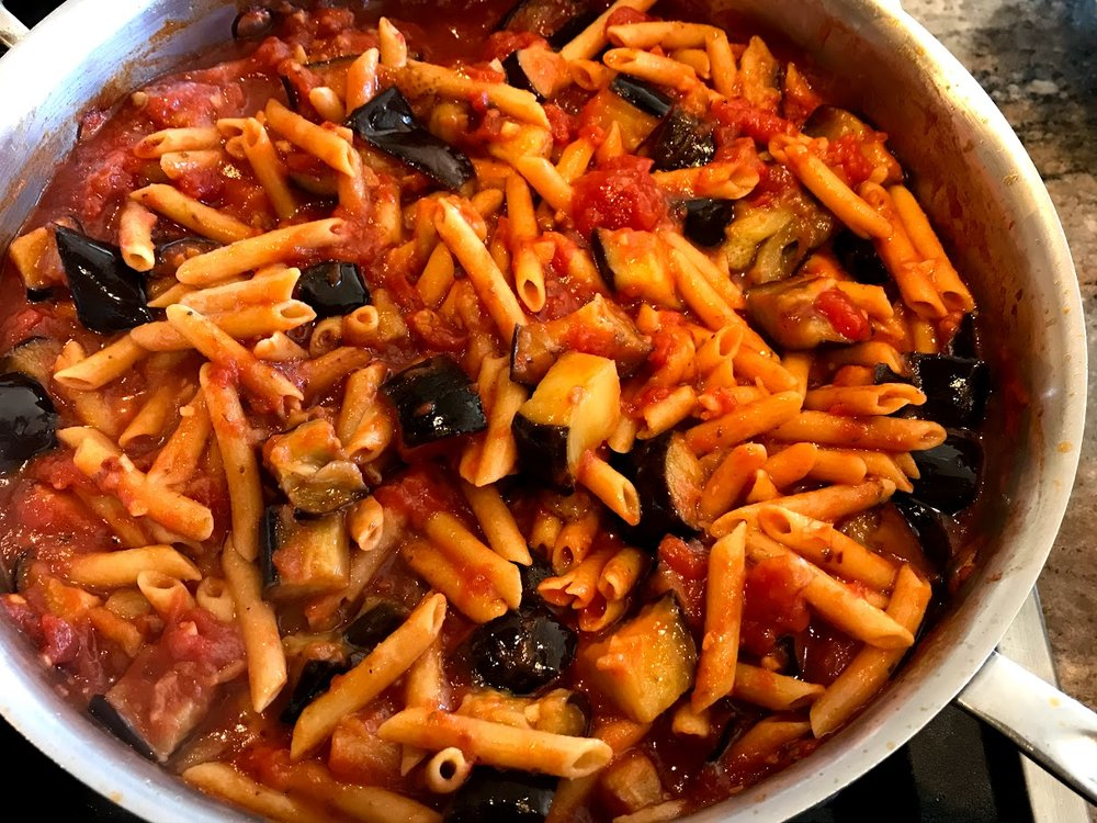 Norma pasta pan with pasta.jpg