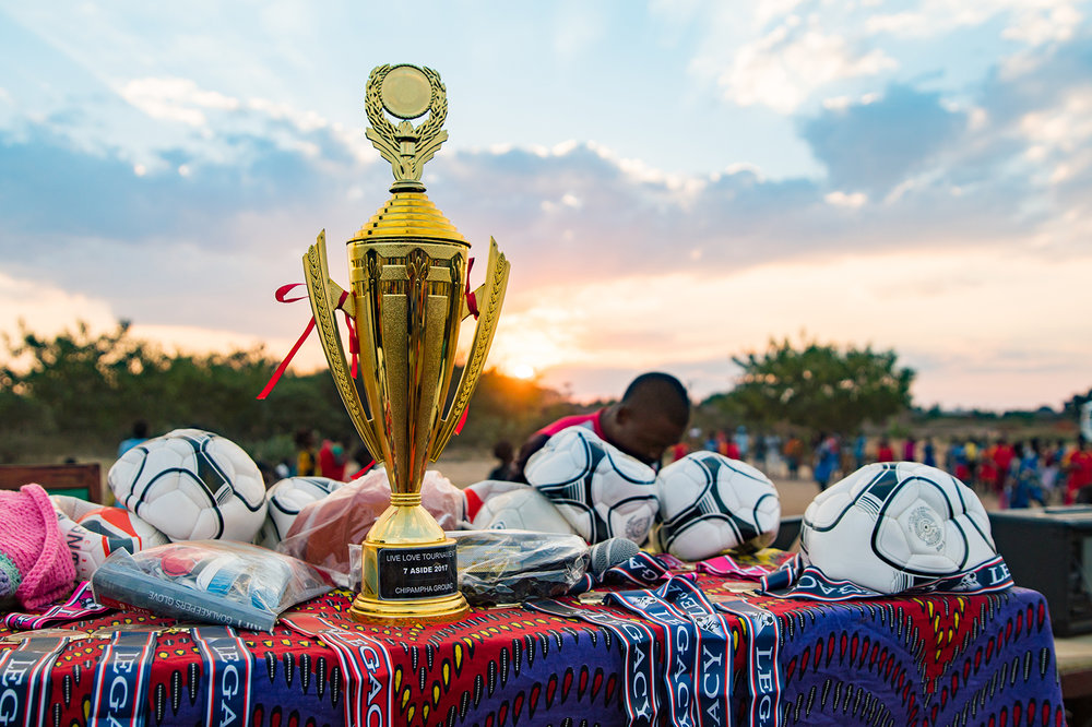 MG-malawi-summer2017-InVillage-SoccerDay-24_s.jpg