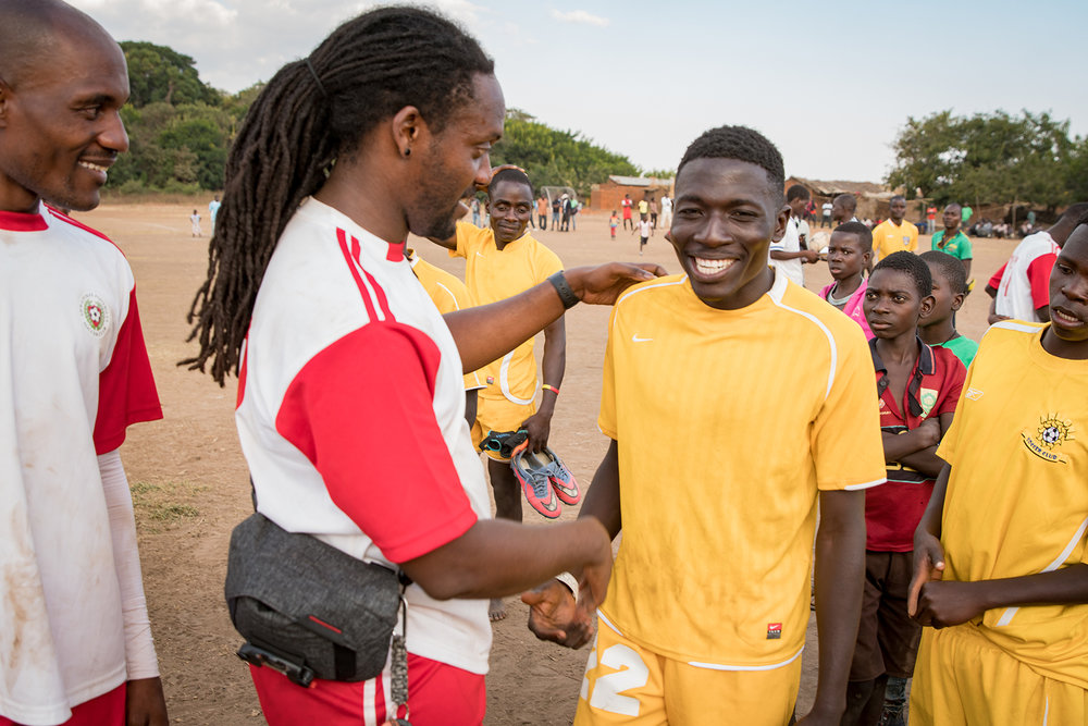 MG-malawi-summer2017-InVillage-SoccerDay-18_s.jpg