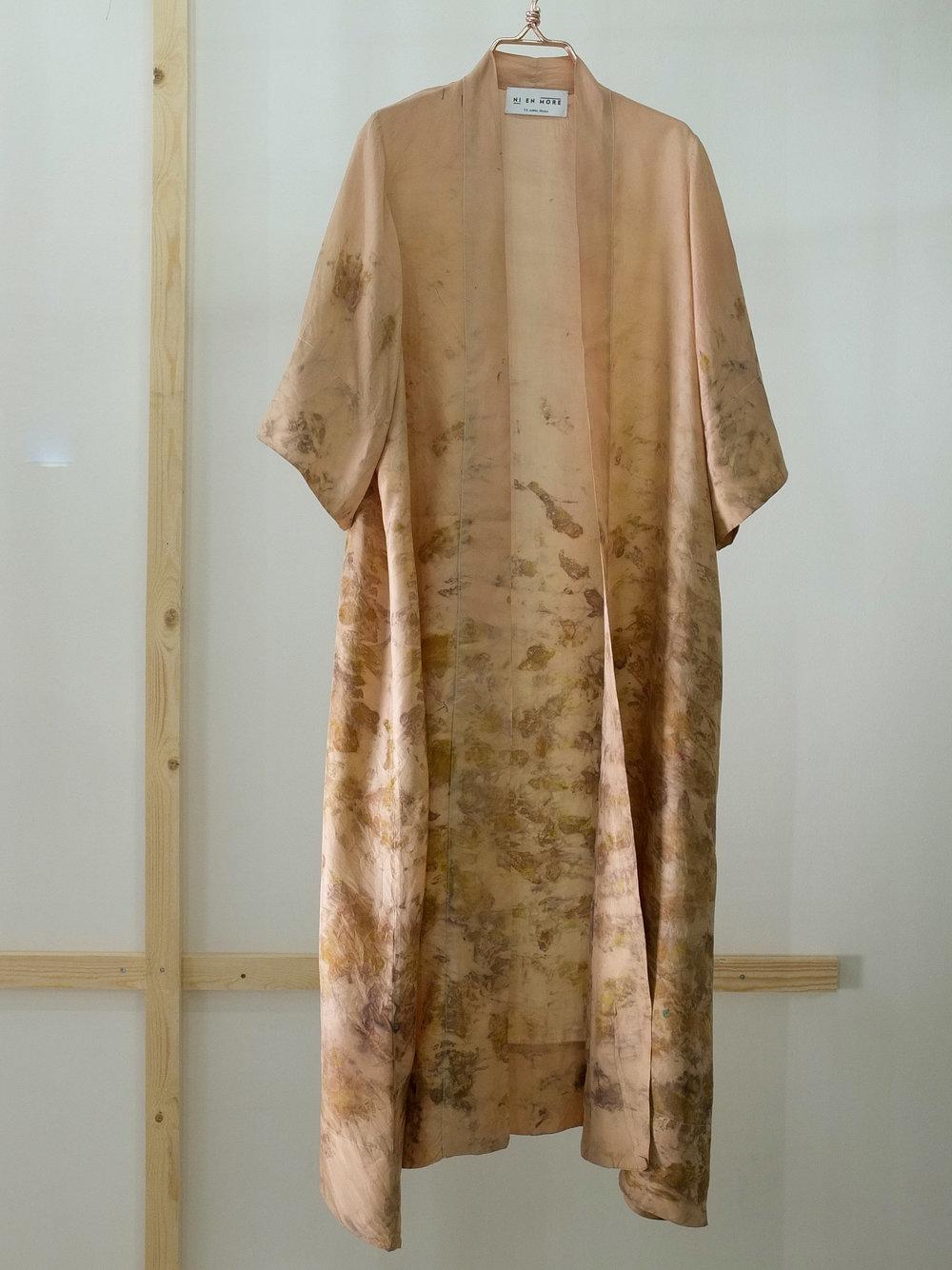 Robe 11 front 2 u belte, str M.JPG