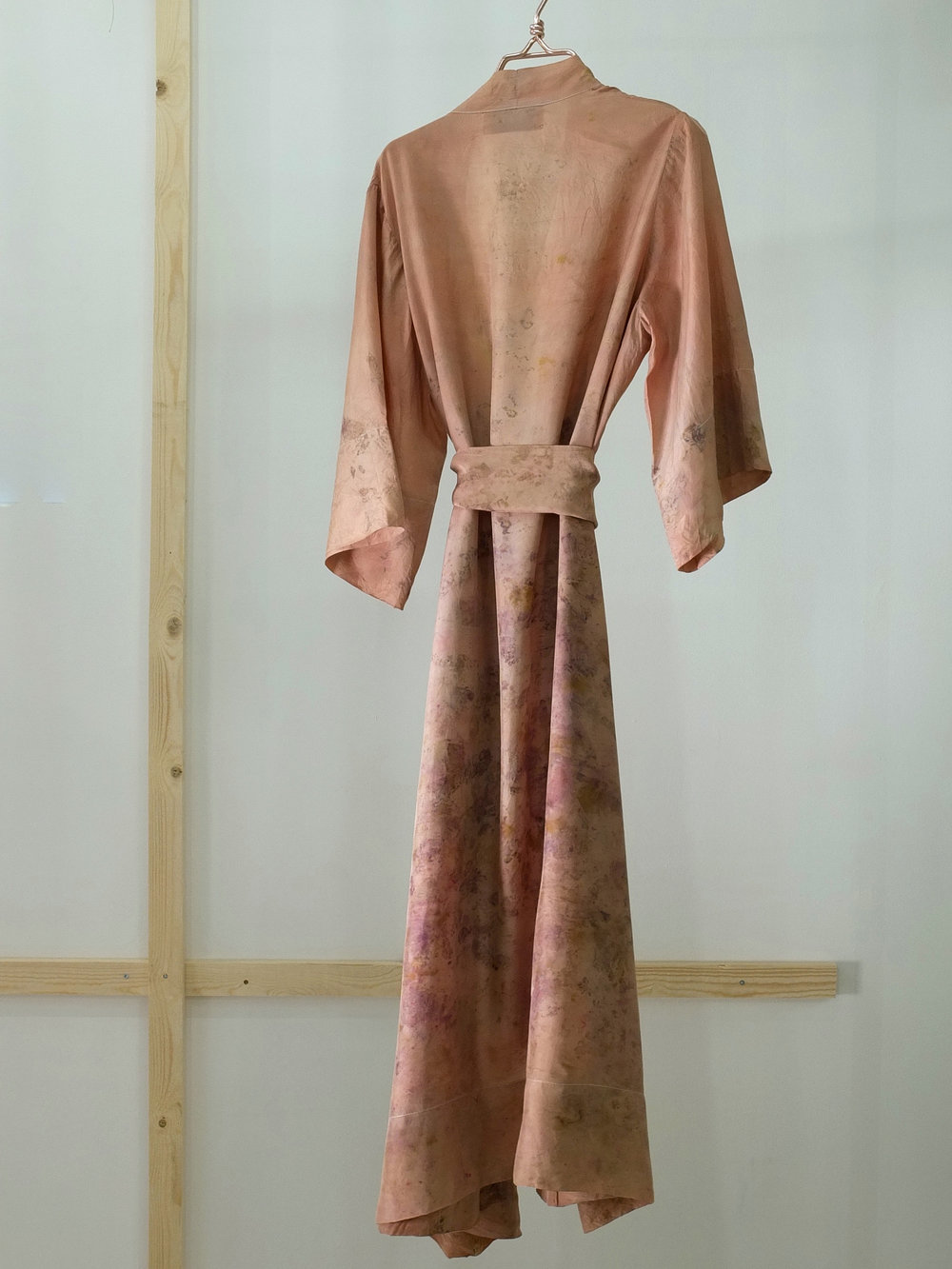 Robe 17 back m belte, str M.JPG