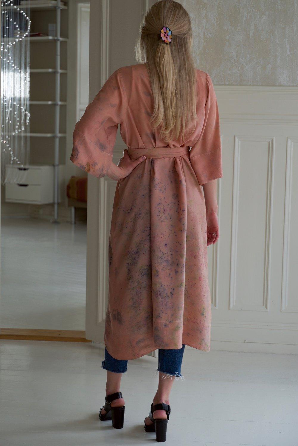 Robe 20 Victoria, m belte bak.jpg