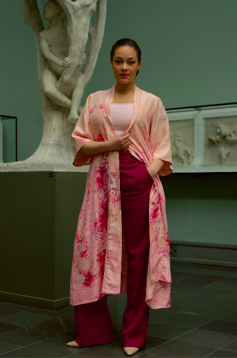 ** NEW ARRIVAL ** — SILK ROBE  — NO  . 30 OF 33 —  SIZE M