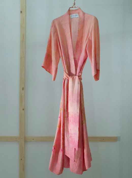 SILK ROBE · No  . 19 OF 33  ·   SIZE LARGE