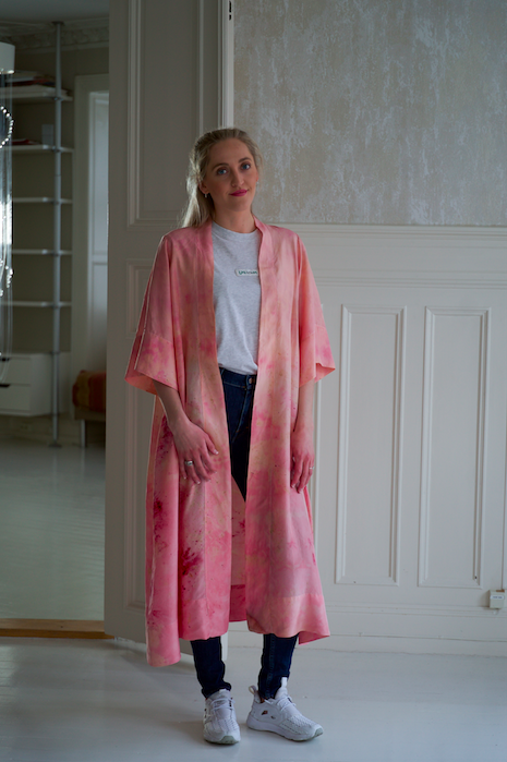 SILK ROBE · No  . 25 OF 33  ·   SIZE MEDIUM