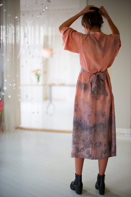 ** NEW ARRIVAL ** — SILK ROBE — NO  . 29 OF 33 —  SIZE M