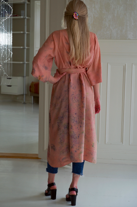 SILK ROBE · No  . 20 OF 33 ·  SIZE LARGE