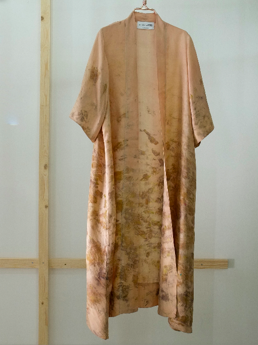 ** NEW ARRIVAL ** — SILK ROBE  — NO  . 11 OF 33 —  SIZE M