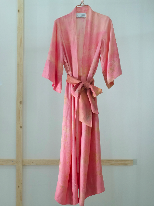 ** NEW ARRIVAL ** — SILK ROBE  — NO  . 22 OF 33 —  SIZE M