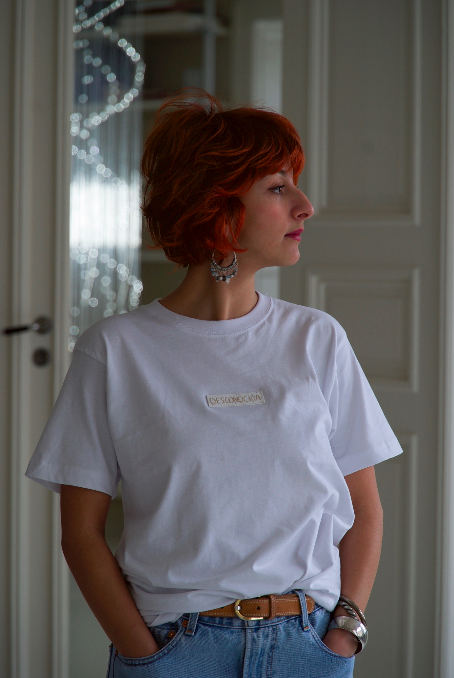 DESCONOCIDA/UNKNOWN – WHITE PROTEST T- SHIRTS — SIZE S, M, L and XL