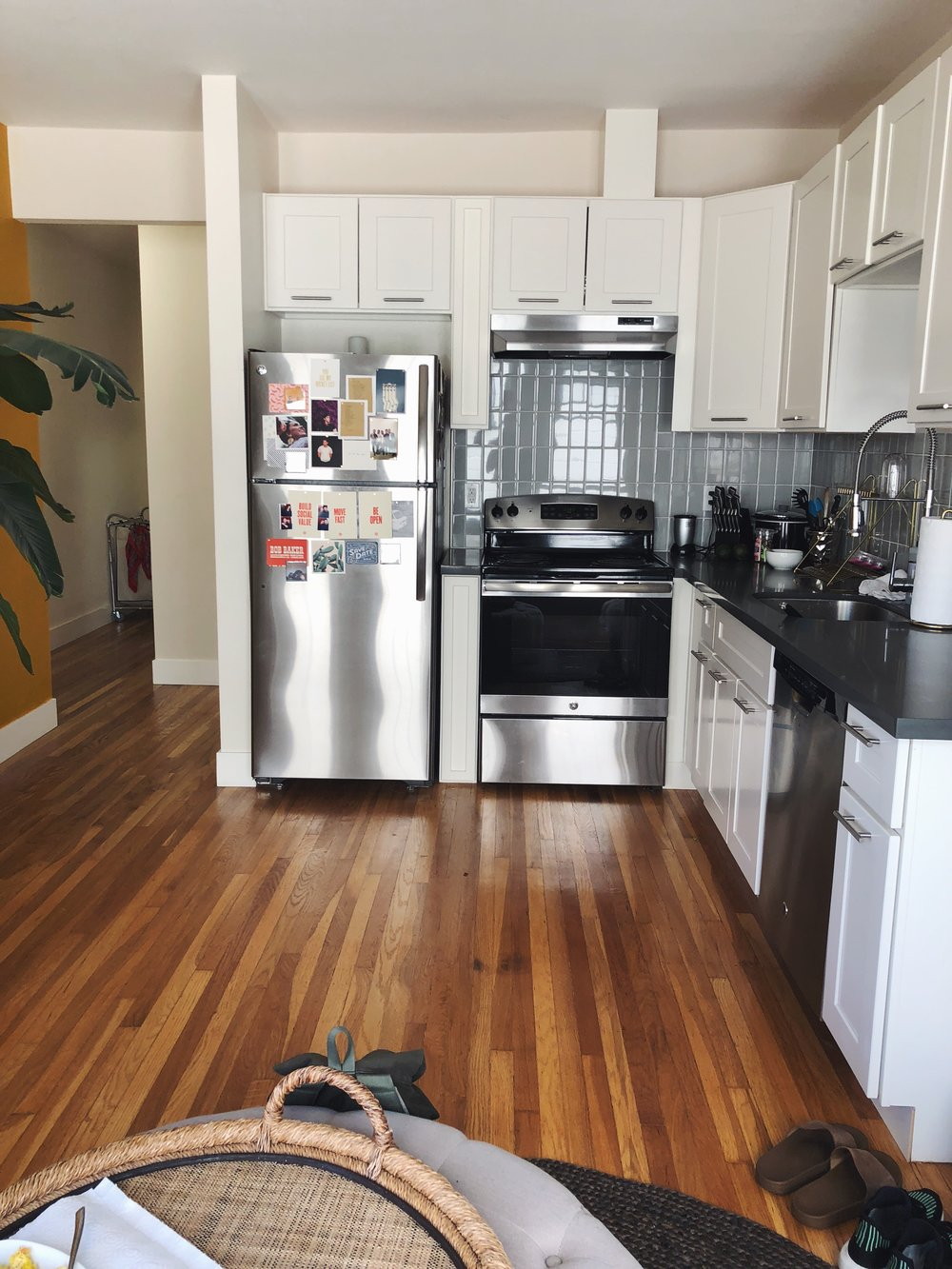 I love the open kitchen floor plan, makes the cozy space very livable