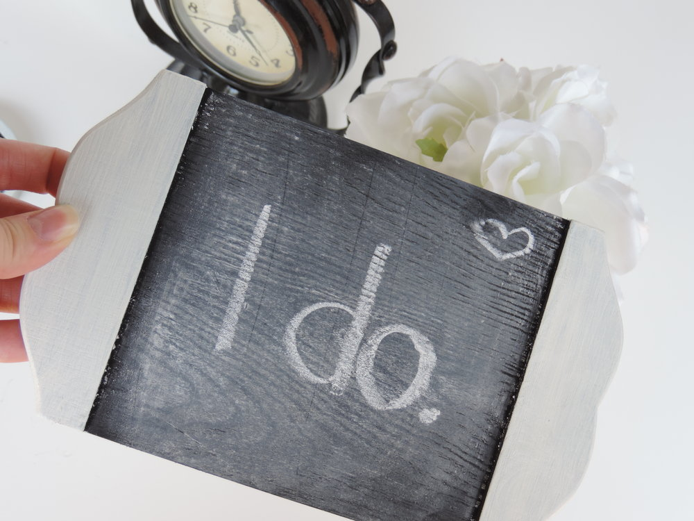 wedding guest list how to format it and when to book a calligrapher
