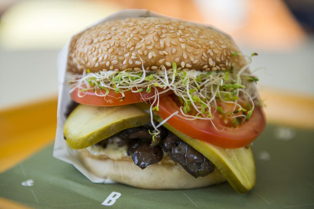 BW Fancy Burger Final small.jpg
