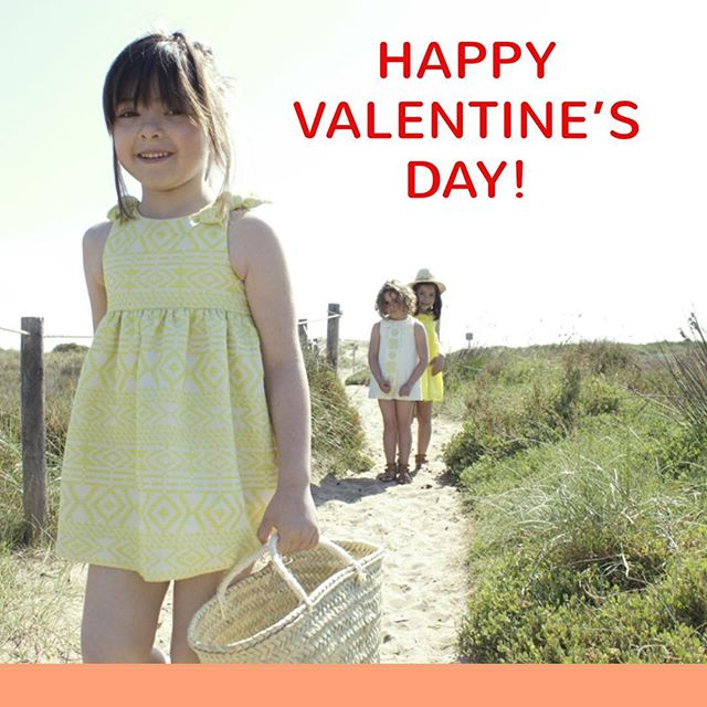With #ThinkLittle outfit, have a splendid Valentine's day!