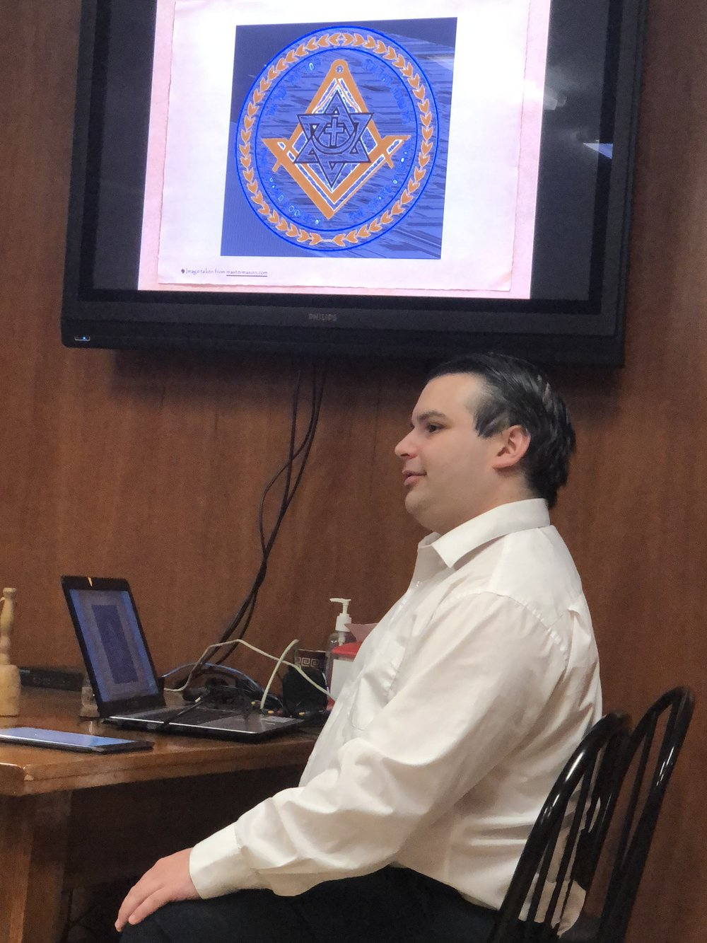 Bro. Nelson discusses the seal of the Grand Lodge of the State of Israel