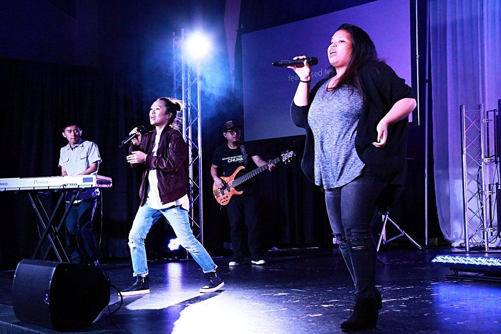 Worship team1.JPG