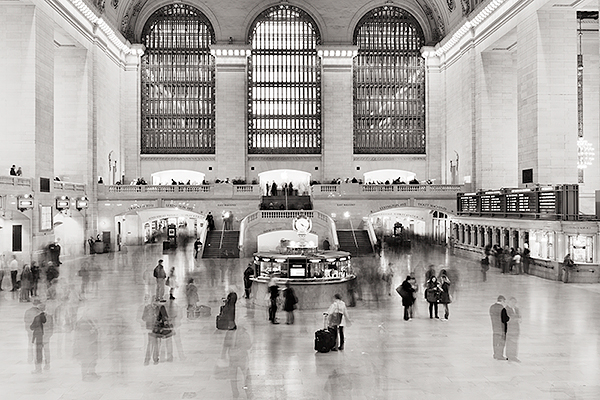 A LONG EXPOSURE PHOTOGRAPH IN NEW YORK CITY GRAND CENTRAL TERMINAL