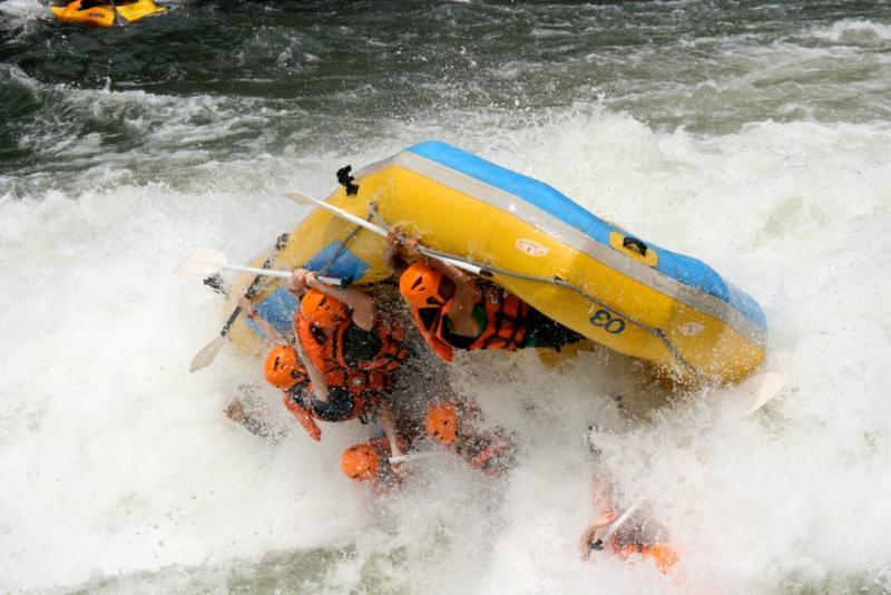 Whitewater_04_raft_river_rafting.jpg