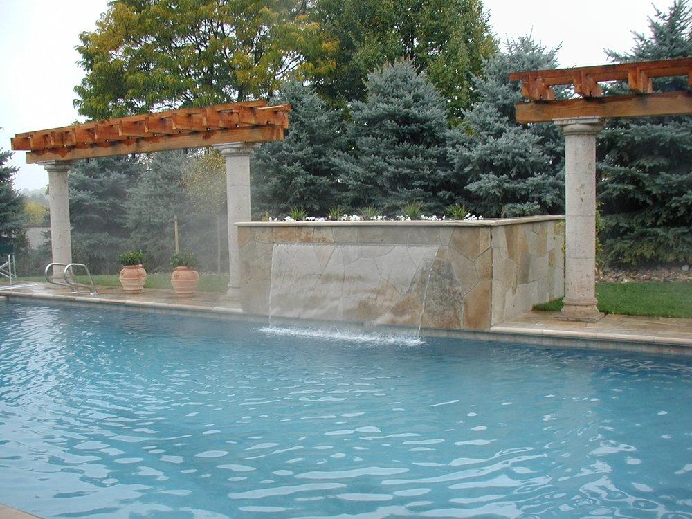 Paieski Pool w Water Baffle.jpg