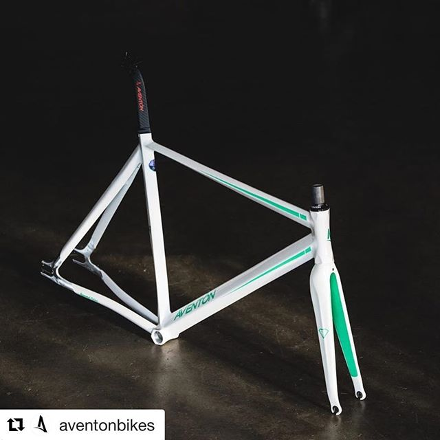 These diamond frames are  sweet in this white color. Check them out at @aventonbikes ・・・ Aventon Diamond Framesets, still a killer on street or the track.  Aero 6066 aluminum tubing and full carbon fork.  On sale for Cyber Monday for only $299.99.  Limited frame sizes only.
