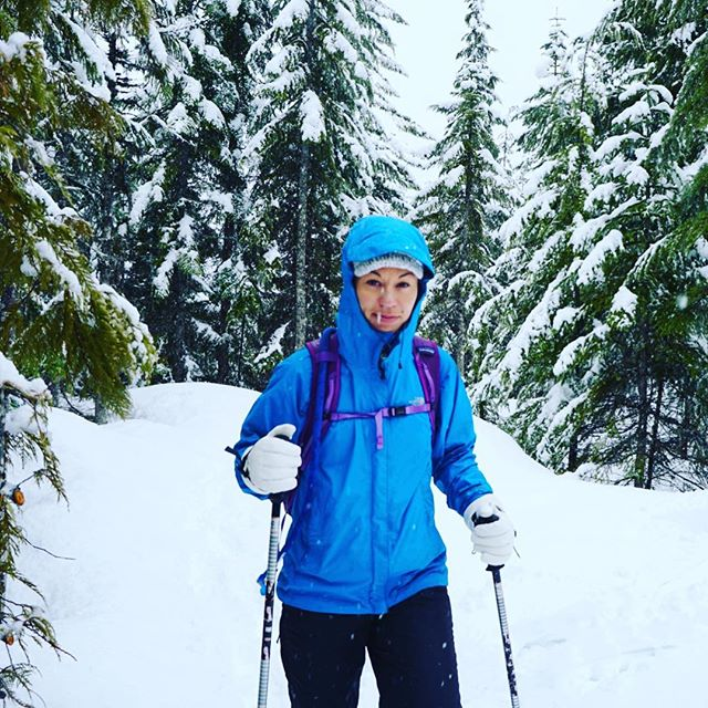 Getting in a snowshoe on fresh powder #snowshoe #squamish  #britishcolumbia #optoutside