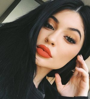 rs_634x792-160413100644-634-kylie-red-lips-041316.jpg